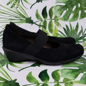 Wolky Mary Janes heels 38/ US 8